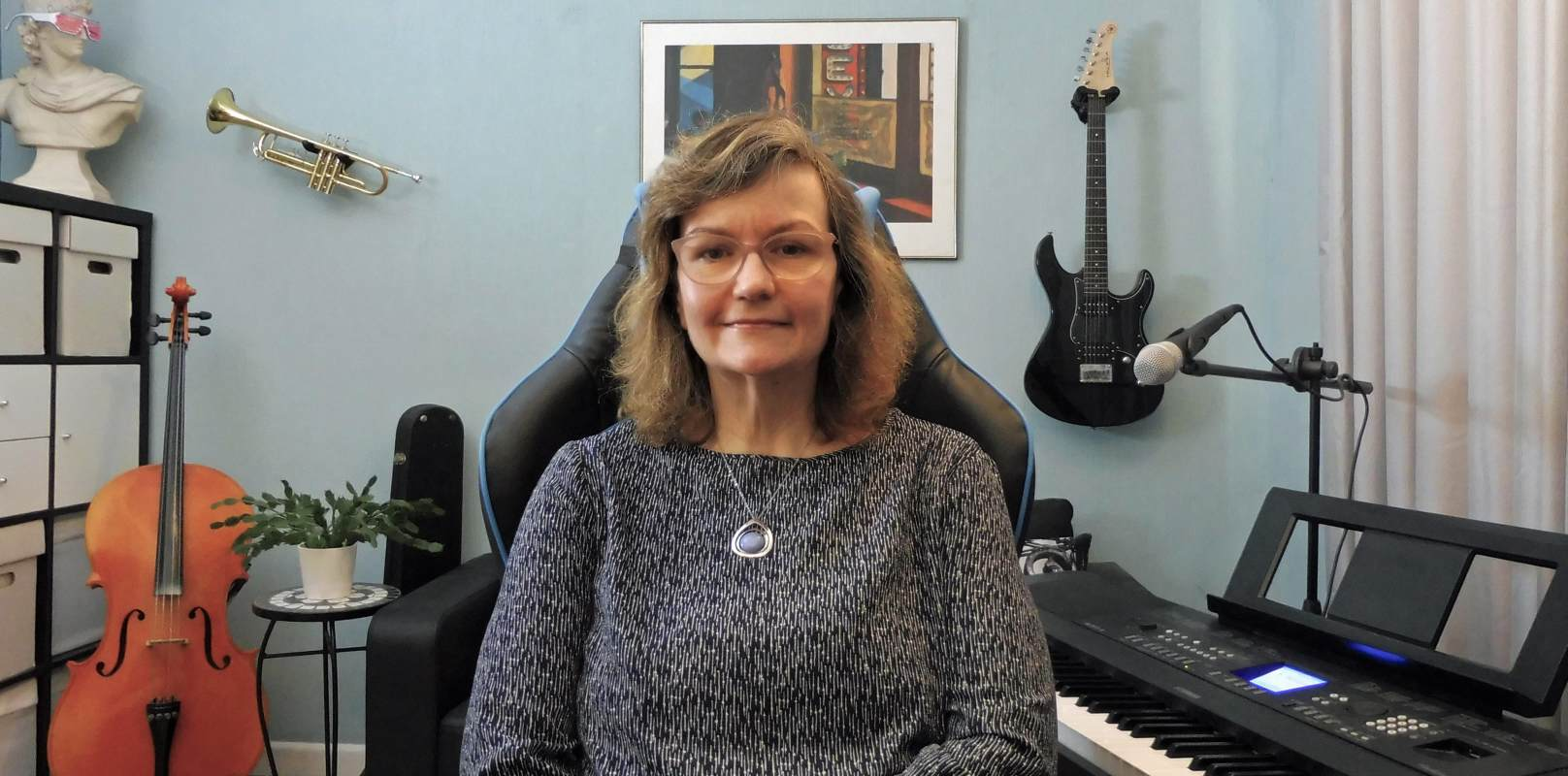 Penny Penelope Tedd, Piano Keyboard Cello Trumpet teacher from Bognor Regis, West Sussex. Travels out and online lessons.